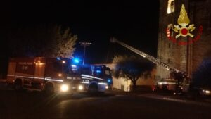 Frosinone: incendio casolare