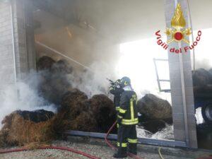 Frosinone: incendio in un fienile