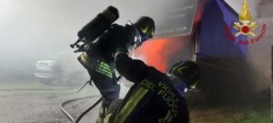 Frosinone: incendio autocarro