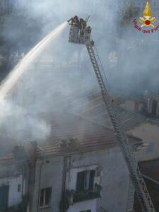 Roma: incendio in un hotel