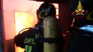 Frosinone: incendio di una abitazione