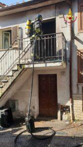Rieti: incendio in una abitazione
