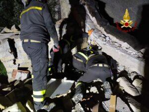 Latina: esplosione in un fabbricato