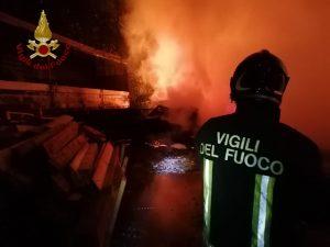 Frosinone: incendio capannone